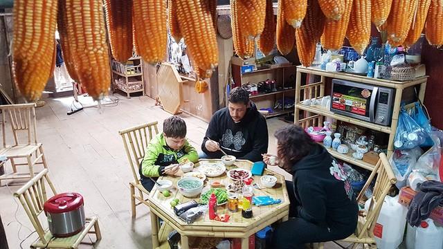 Authentischer Tourismus im Stein-Dorf Khuoi Ky - ảnh 1