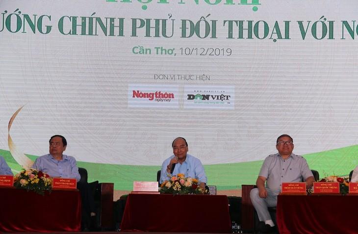 Premierminister Nguyen Xuan Phuc führt Dialog mit Bauern in Can Tho - ảnh 1