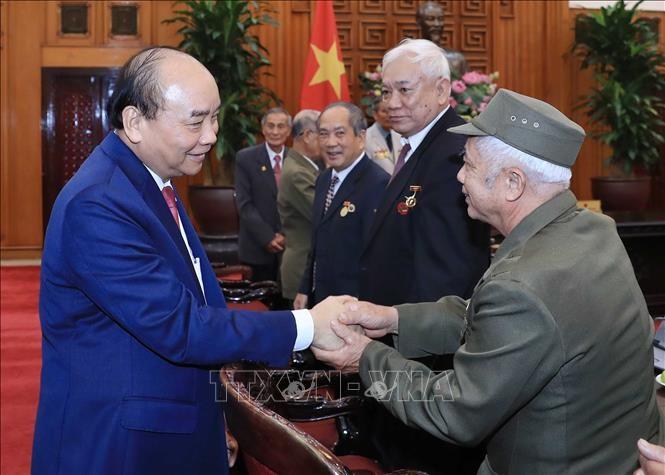 Premierminister Nguyen Xuan Phuc empfängt ehemalige Kriegsgefangenen der Stadt Hai Phong - ảnh 1