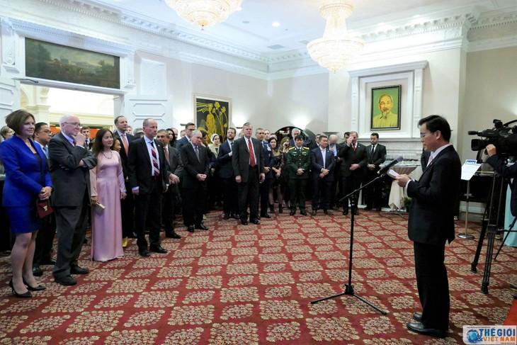 Start der Aktivitäten zum 25. Jahrestag der diplomatischen Beziehungen zwischen Vietnam und USA - ảnh 1