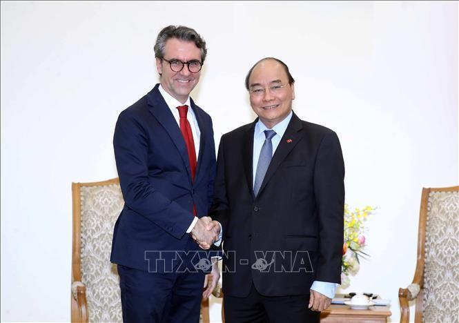 Premierminister Nguyen Xuan Phuc empfängt den EU-Botschafter in Vietnam - ảnh 1