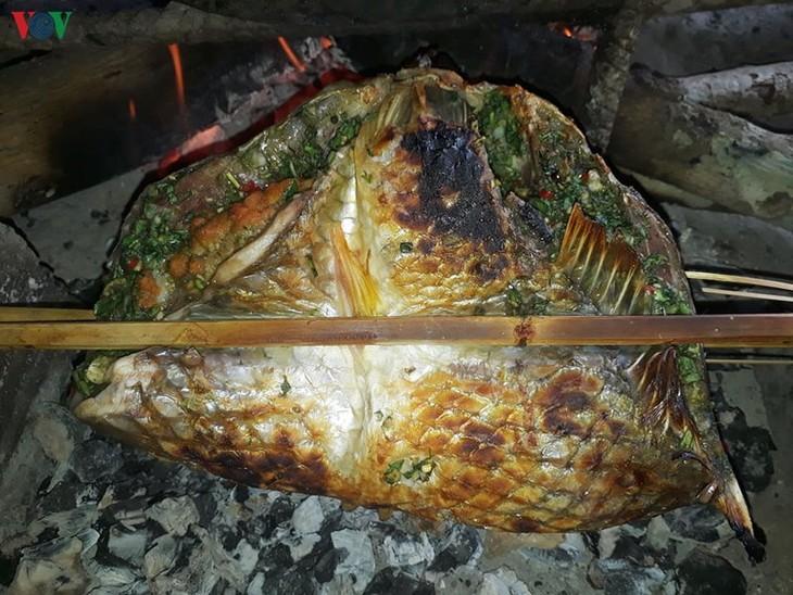 Pa pinh top, eine besondere Speise der Volksgruppe Thai im Nordwesten des Landes - ảnh 1