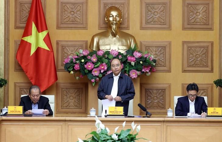 Premierminister fordert konsequente Isolation der Menschen aus Epidemiegebieten, die in Vietnam einreisen  - ảnh 1