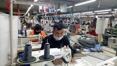 Hanoi bekämpft die Epidemie parallel mit der Wiederherstellung der Wirtschaft - ảnh 1