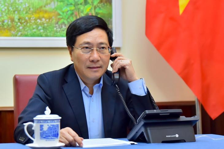 Vizepremierminister, Außenminister Pham Binh Minh führt Telefongespräch mit der spanischen Außenministerin  - ảnh 1
