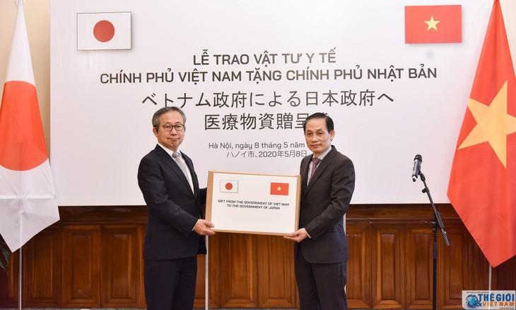 Vietnam überreicht medizinische Mundschutzmasken an Japan - ảnh 1