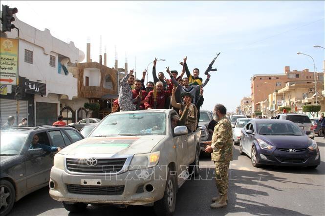 Russland und Türkei unterstützen eine sofortige Waffenruhe in Libyen - ảnh 1