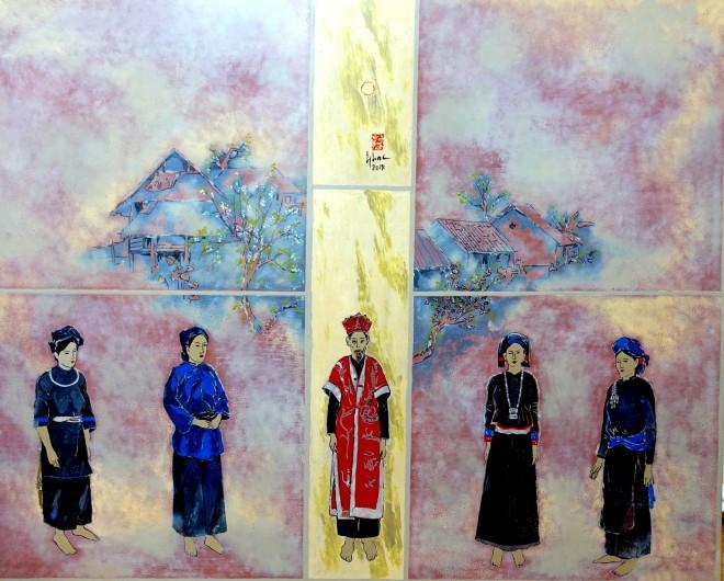 Ausstellung von Lackbildern des Malers Do Duc über Trachten der ethnischen Minderheiten - ảnh 1