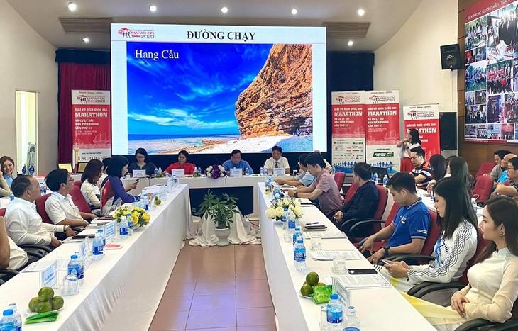 Nationaler Wettbewerb für Marathonlauf und Langstreckenlauf 2020 auf Insel Ly Son - ảnh 1