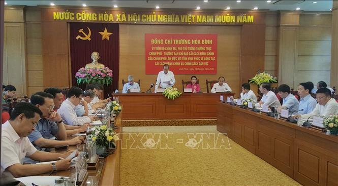 Vizepremierminister Truong Hoa Binh tagt mit Provinzverwaltern der Provinz Vinh Phuc - ảnh 1