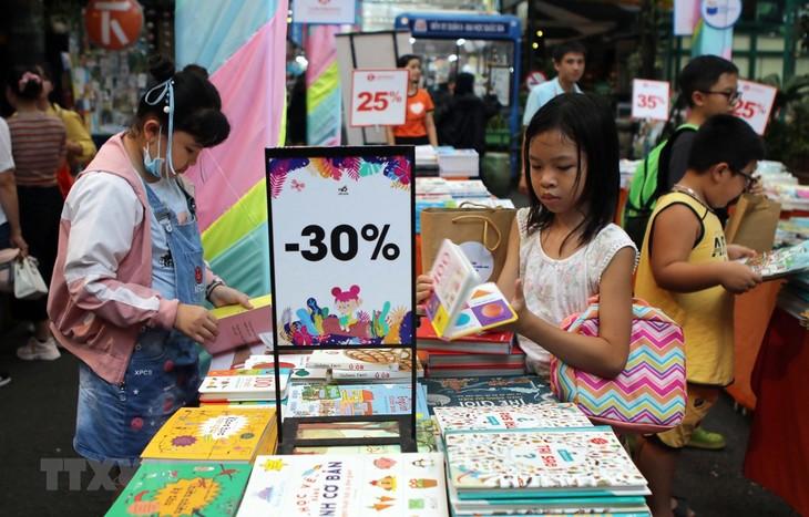 Eröffnung der Buchmesse für Kinder in Ho Chi Minh Stadt - ảnh 1