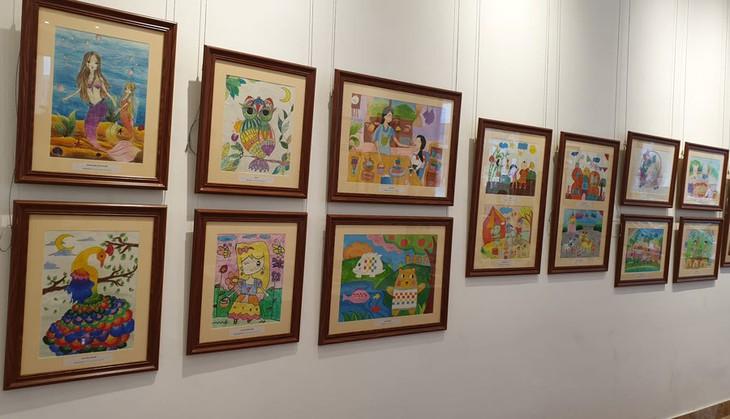 """Ausstellung """"Leidenschaft auf jedem Zeichen"""" in Hanoi - ảnh 1"""