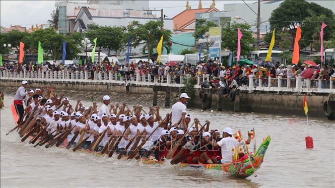 Abschluss des Ghe Ngo-Bootsrennens im Mekong-Delta - ảnh 1