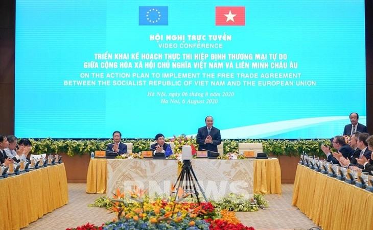 Premierminister Nguyen Xuan Phuc ratifiziert den Plan zur Umsetzung von EVFTA - ảnh 1