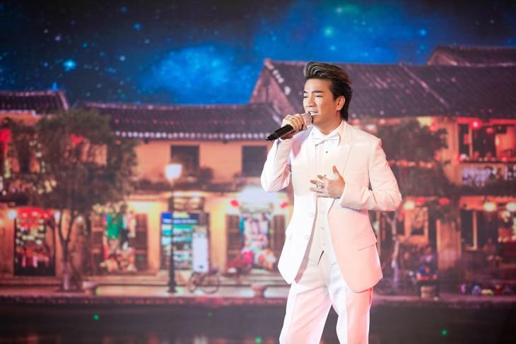 Live-Konzert: Mehr als 185.000 Euro für die Covid-19-Bekämpfung in Da Nang und Quang Nam gespendet - ảnh 1