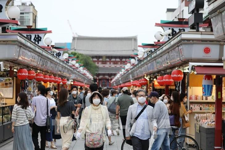 Japanisches Bruttoinlandsprodukt ist seit 40 Jahren am stärksten gesunken - ảnh 1