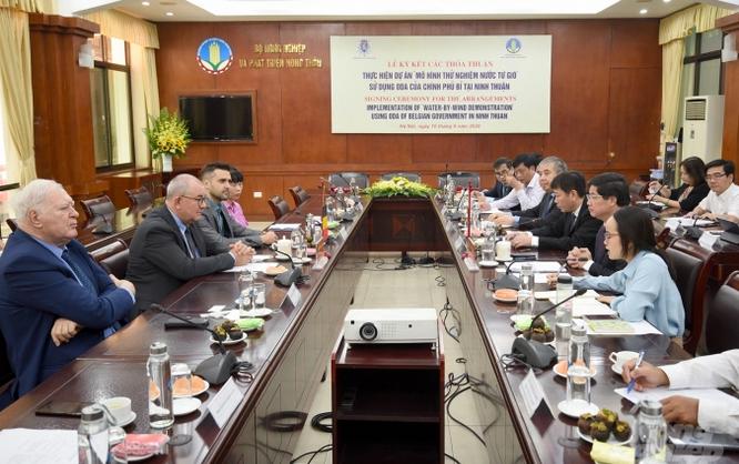 Vietnam und Belgien arbeiten in Bekämpfung der Versalzung in südzentralvietnamesischen Küstenprovinzen zusammen - ảnh 1