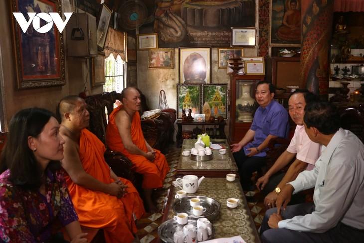Behörden im Mekong-Delta kümmern sich um das Sene Dolta-Fest der Khmer  - ảnh 1