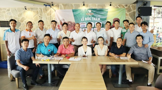 Fast 30.000 Euro aus dem Tennisturnier zur Unterstützung für Flutopfer in Zentralvietnam gespendet - ảnh 1
