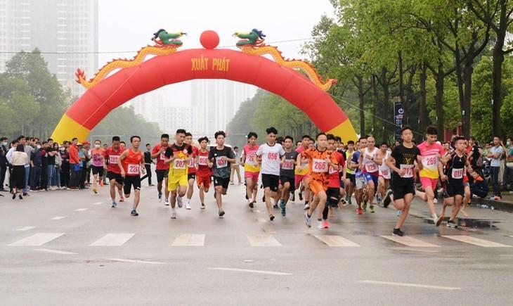 Fast 2000 Menschen nehmen an Nagakawa-Laufwettbewerb in Bac Ninh teil - ảnh 1