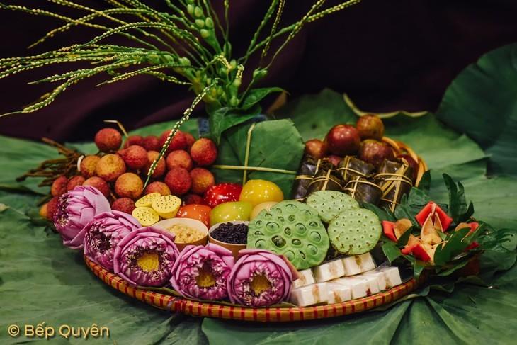 Einkauf der Hanoier für das Doan Ngo-Fest - ảnh 9