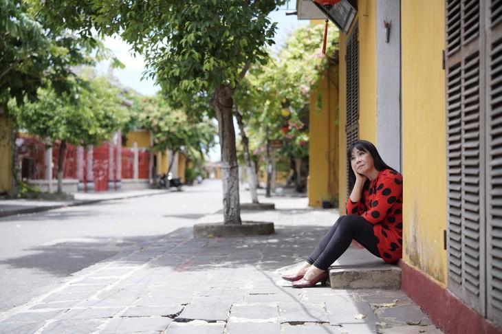 """Sängerin Anh Tuyet stellt das MV """"Senden nach Süden"""" vor - ảnh 1"""
