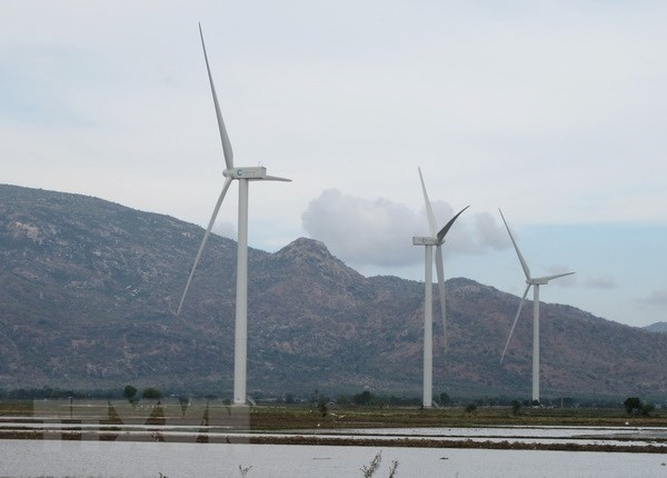 Quang Tri province approves more wind, solar power projects - ảnh 1