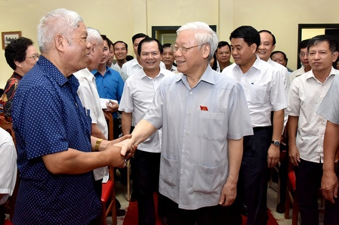 Party chief meets voters ahead of year-end National Assembly session   - ảnh 1