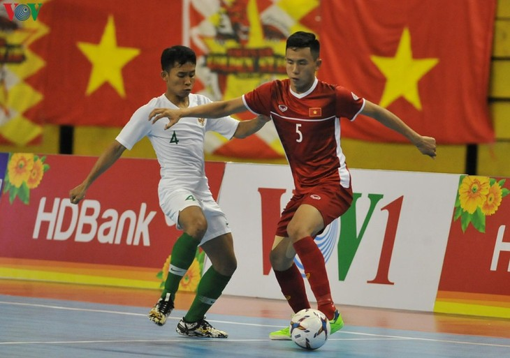 Vietnam futsal team make Asia's top 10  - ảnh 1
