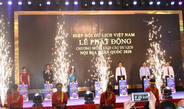 Vietnam Airlines joins VITA to offer holiday package with up to 40 percent discount - ảnh 1