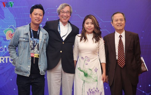 """Young journalist aspires to see Vietnam """"step out into the world"""" - ảnh 2"""