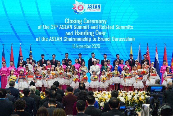 37th ASEAN Summit wraps up with record number of documents adopted - ảnh 1