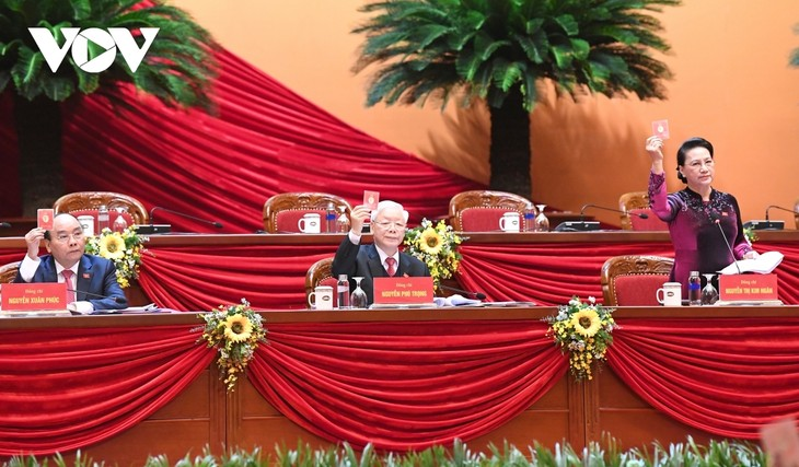 Preparatory session adopts 13th National Party Congress working regulations - ảnh 1