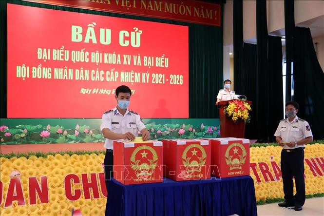 Ba Ria-Vung Tau holds early voting for soldiers, fishermen - ảnh 1