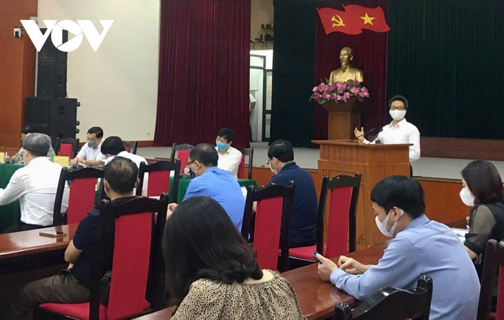 No need yet for large-scale social distancing: Deputy PM - ảnh 1
