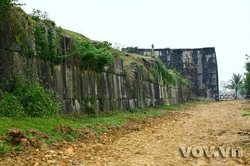เยือนมรดกโลก กำแพงราชวงศ์ Hồ ในจังหวัดThanh Hóa  - ảnh 1