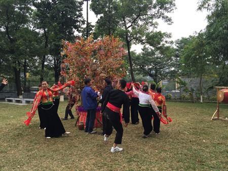เทศกาล เฮ๊ตช้า เอกลักษณ์วัฒนธรรมของชนกลุ่มน้อยเผ่าไทในจังหวัดเซินลา - ảnh 2