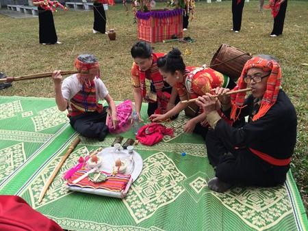 เทศกาล เฮ๊ตช้า เอกลักษณ์วัฒนธรรมของชนกลุ่มน้อยเผ่าไทในจังหวัดเซินลา - ảnh 1