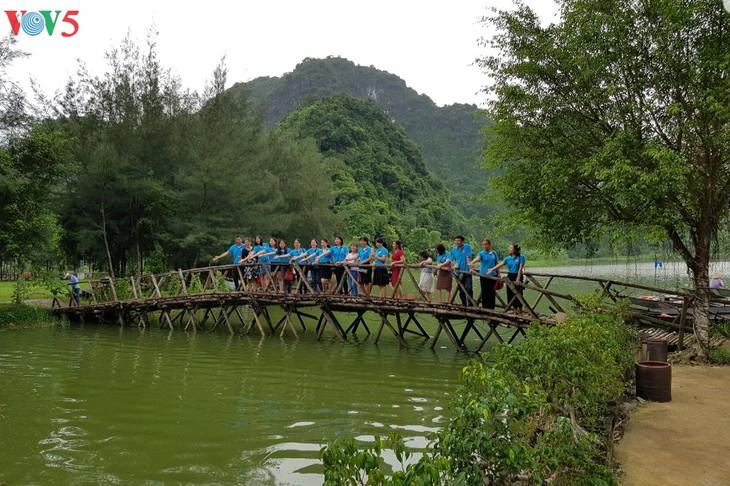 มรดกวัฒนธรรมของจังหวัดนิงห์บิงห์พร้อมให้แก่ปีการท่องเที่ยวแห่งชาติ2020 - ảnh 3