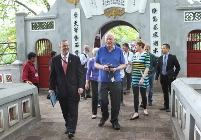 US Senator wraps up Vietnam visit - ảnh 1