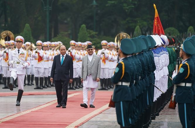 阮春福主持仪式欢迎尼泊尔总理奥利访越 - ảnh 1