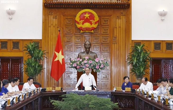 越南政府常务委员会召开会议讨论一些基础设施项目 - ảnh 1