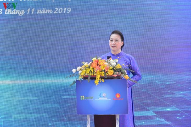 阮氏金银视察和乐高新技术园区 - ảnh 1
