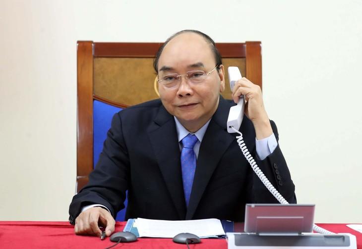 越南政府总理阮春福与印度总理通电话 - ảnh 1