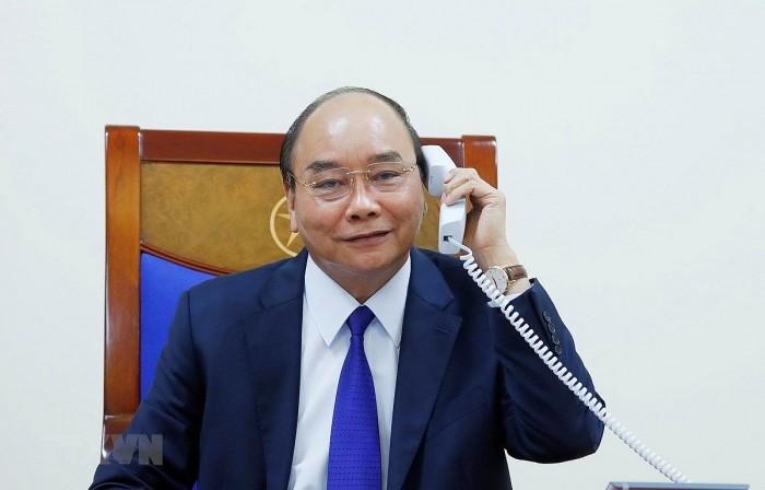 越南政府总理阮春福与美国总统特朗普通电话 - ảnh 1