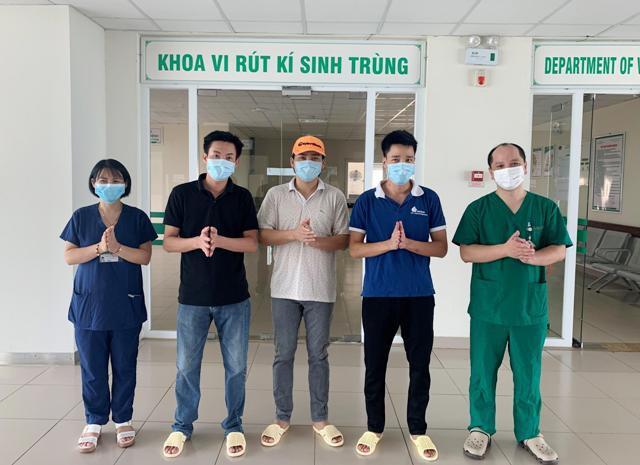 3例新冠肺炎患者治愈出院 - ảnh 1