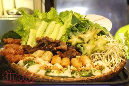 在新加坡2021年法语联欢节上推广越南美食 - ảnh 1