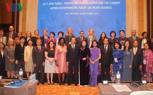 Konferenz zum privat-öffentlichen Dialog über Frauen und Wirtschaft - ảnh 1