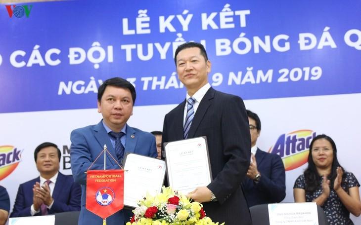 Kao Vietnam ist Hauptsponsor für vietnamesische Fußballnationalmannschaft - ảnh 1