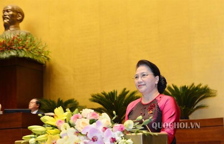 Eröffnung der Parlamentssitzung in Hanoi - ảnh 1